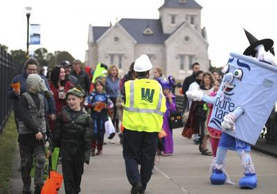 Photo Gallery: Trick or Treatment 2017